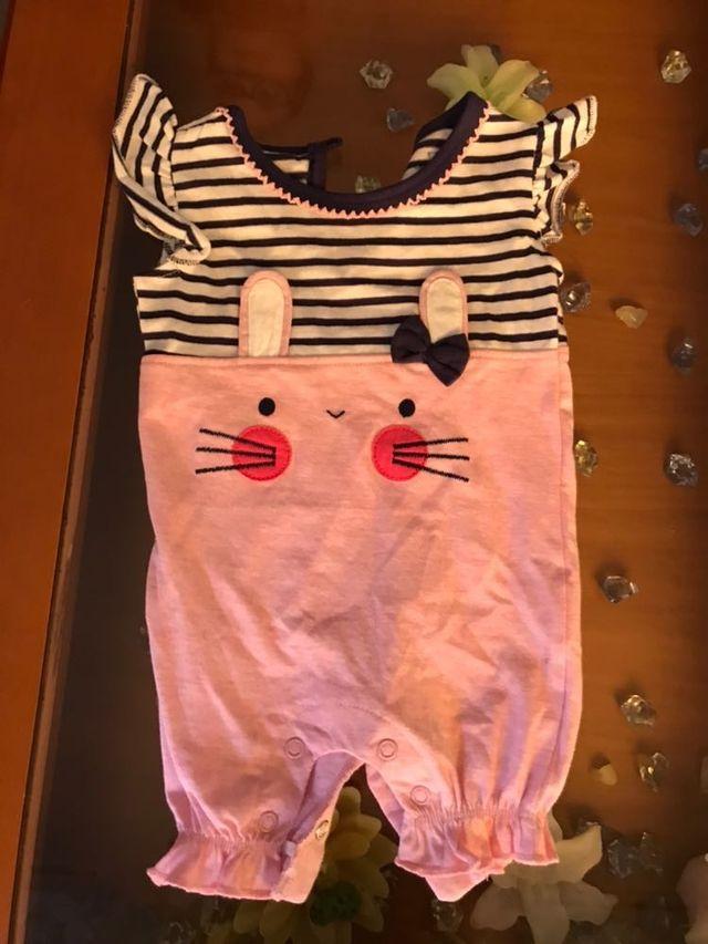 243c3904cf736 Ropa bebé niña 1-3 meses de segunda mano por 2 € en Olesa de ...