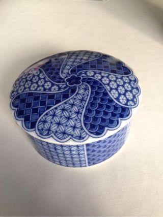 Caja porcelana antigua