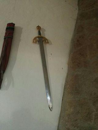 espada no peligrosa para cortar tartas