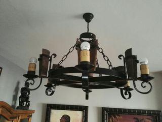 Lámparas rústica de forja y teja.