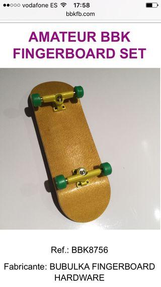 Fingerboard deck