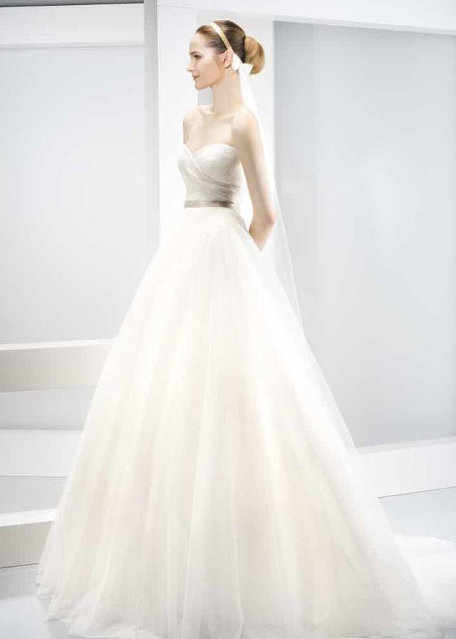 vestido de novia jesus peiro de segunda mano por 800 € en madrid en