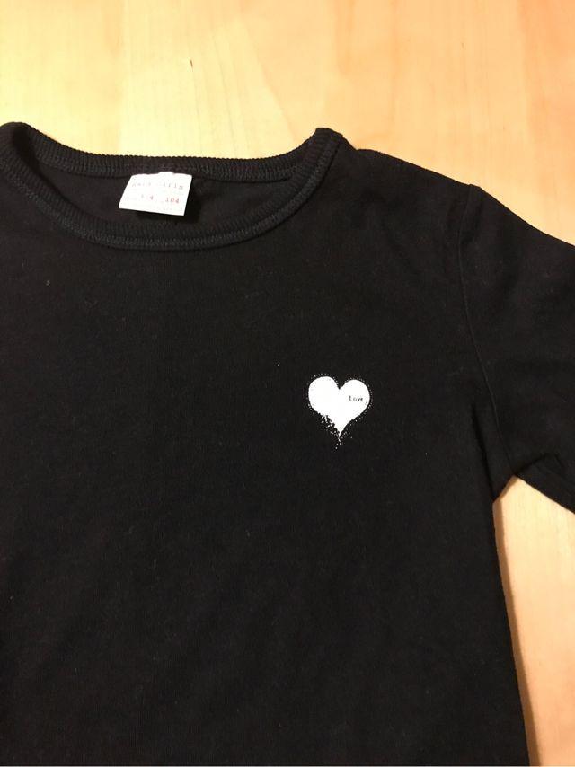 735a242b4 Camiseta negra niña Zara Girls de segunda mano por 3 € en Barcelona ...
