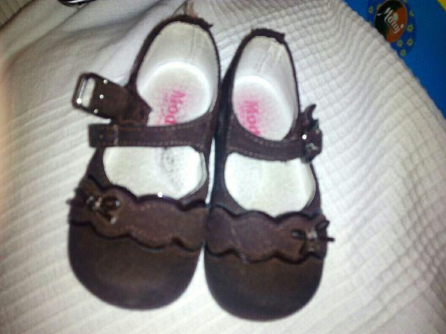fe8321f24 Zapatos niña. numero 22 de segunda mano por 3 € en Valdemoro en WALLAPOP