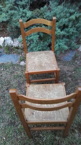 sillas de madera y enea