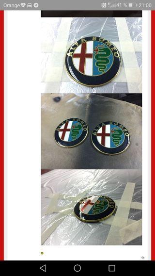 Emblemas Alfa Romeo.