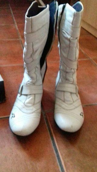 botas zapatillas