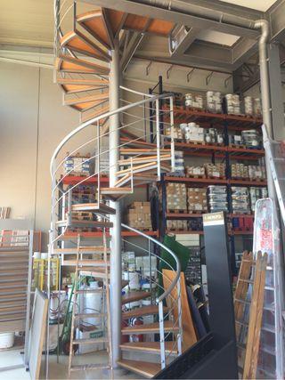 Escalera caracol metalica