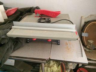 Maquina de cortar madera