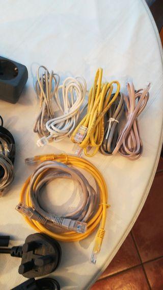 Cable USB y varios. Enchufe ladrón.
