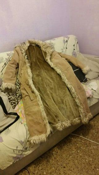 abrigo suave beige,talla L