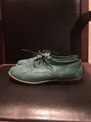 Zapatos planos verdes