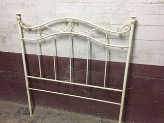 Cabezero de cama de hierro
