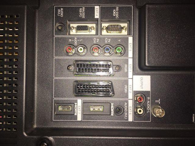 """Televisión Sharp aquos. 37"""". LCD. ( NO HD)"""