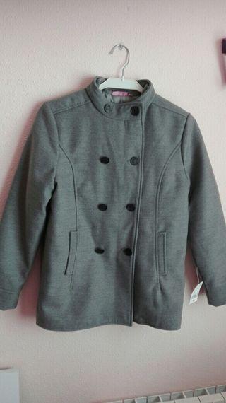 abrigo chaqueton con etiqueta talla 12 x 12€.