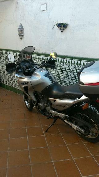 Moto Transalp XL 650 V