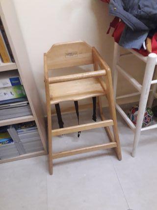 trona de madera, silla para niño