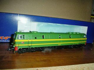 Locomotora Renfe 333 Roco H0