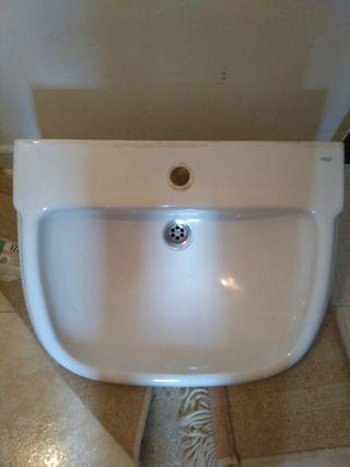 * lavabo Roca con pié *