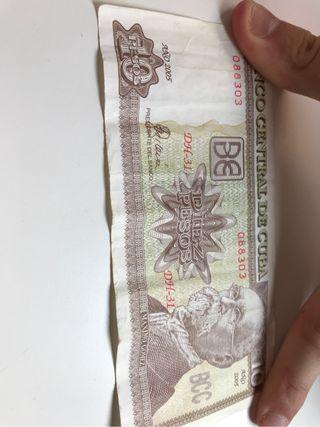 Dinero de diferentes paises