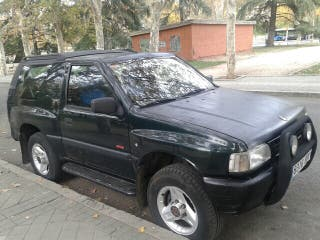 Opel Frontera 2.5 TD SPORT