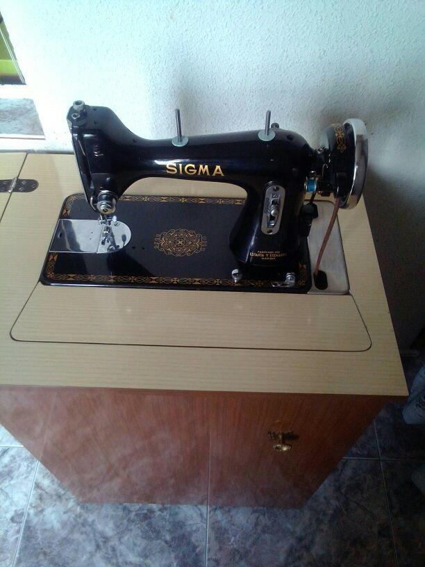 Maquina de coser de segunda mano por 70 € en Madrid en