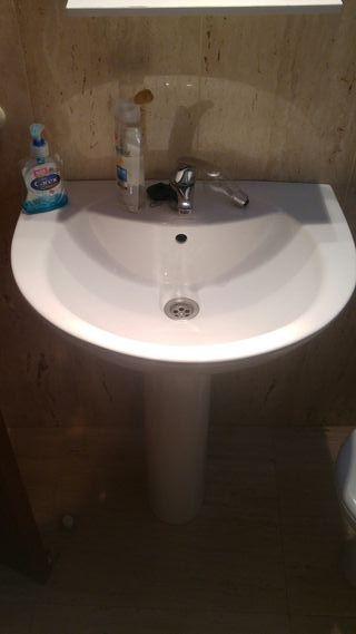baño completo plato ducha lavabo bide mampara