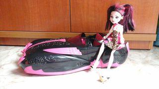 Coche Monster High grande (muñeca no incluída)