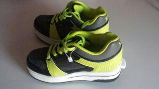 Zapatillas con ruedas talla 33