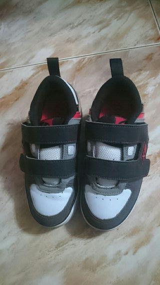 2 zapatillas heelys