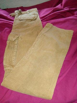 pantalon pana con bolsillos a los lados de hombre