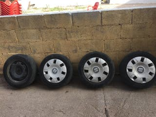 4 ruedas con neumaticos