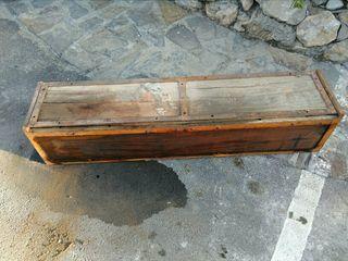 Caja Antigua Madera y hierro