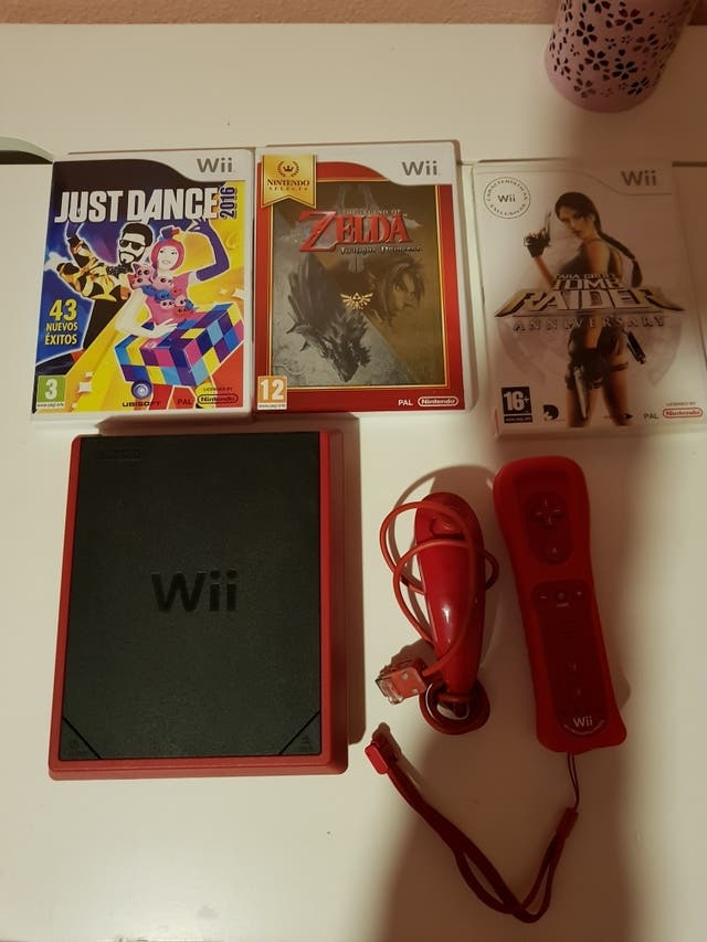 Consola Mini Wii Roja De Segunda Mano Por 55  U20ac En Madrid
