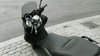 Moto Yamaha Xmax 125