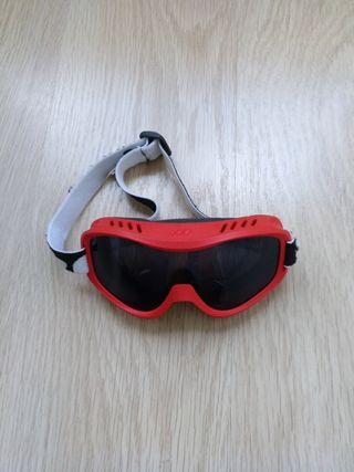 Pantalon ski ,gafas y guantes, talla 4-6