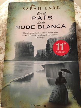 """Libro , """" en el país de la nube blanca"""""""