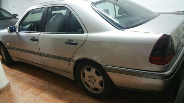 Mercedes-Benz 220 Clasic 2000