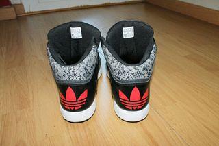 Zapatillas adidas. original Adidas trainers