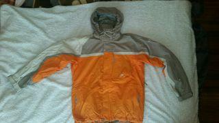 chaqueta snow helly hansen casi nueva