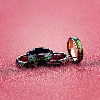 anillo hombre colgante