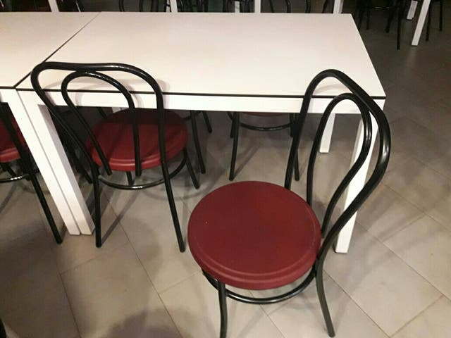 Mesas I Sillas Para Cafeteria O Terraza Cubierta De Segunda Mano