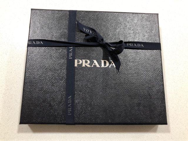 Funda original para iPad Prada