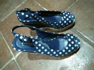 Zapatos lunares de mujer pin up