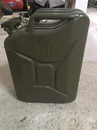 Bidón gasolina militar