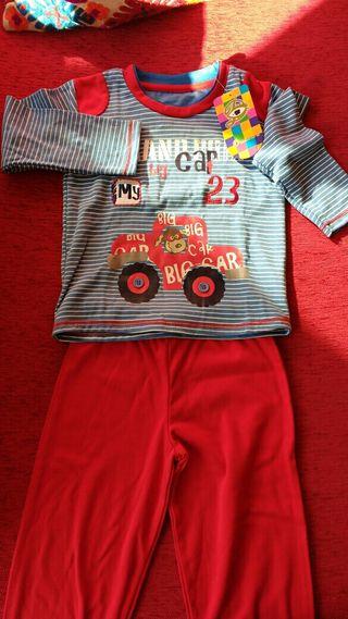 pijama nuevo con etiqueta. Talla 3