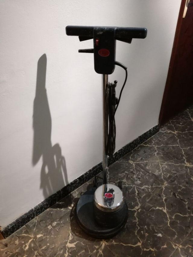 Alquiler maquina pulir suelos pulidora en pedreguer en wallapop - Maquina pulidora suelos ...