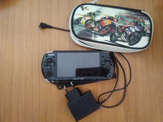 PSP + 3 juegos + Funda
