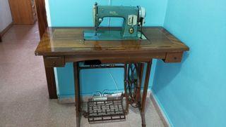 Máquina de coser alpha
