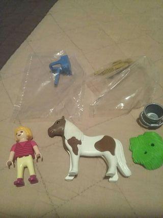 Playmobil Special Plus Niña con Pony